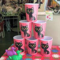 スウェーデン 黒猫 ピンクコップ