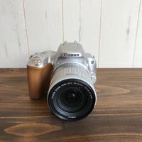 【一眼レフ】CANON(キヤノン) EOS KISS 9 18-55mmレンズキット シルバー【カメラ+レンズ】