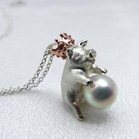 豚に真珠ネックレス