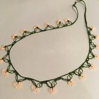 オヤ ネックレス 【2-22】深緑×シェルピンク/53.5cm