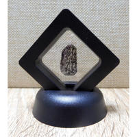 宇宙意思との共鳴共振「地球の石(意思)」黒Ⅱ フレーム:一辺5㎝厚さ1.8㎝ 高さ6.5㎝