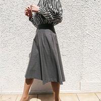ミドル丈スカート