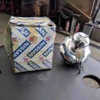 【新品】SR311フェアレディ ガソリンキャップ 鍵付き