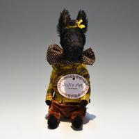 ジュナ・アート (ジュリア・ナザレンコ) / 黒犬