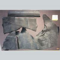 シボ革端切れ 黒 2.5-3.0厚(7109003)