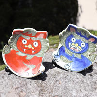 シーサー(赤) 縁起ミニ飾り皿(皿立て付き)