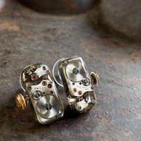【new】antique ladies movement pierced earrings【K0577】