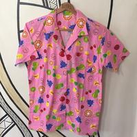 【個性的】昭和レトロ フルーツ総柄 ピンク柄シャツ