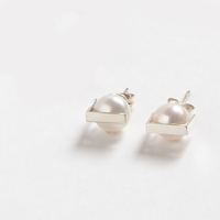 pierced earrings かくれんぼ