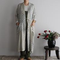 TOWAVASE sarasa silk robe (ivory)