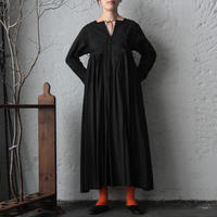 TOWAVASE Artisan dress (black)