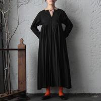 TOWAVASE Artisan dress (black)