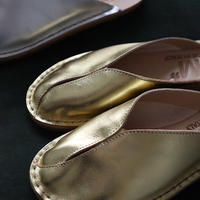 M Tulip leather Slip-on sandals (gold)