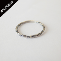 THEFT - narrow twist line ring