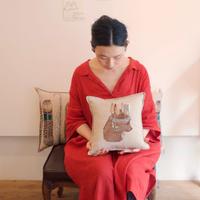Coral & Tusk/コーラル・アンド・タスク「 Bear Portrait」クッション/30cm 中材つき