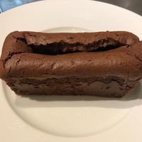 洋梨のガナッシュ入りチョコレートケーキ(1本/約300g)