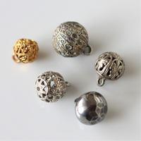 【各種】 透かしメタル球ボタン フランスヴィンテージ