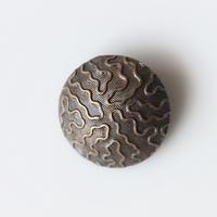 フランス ドーム型なみなみメタルボタン 一つ穴22㎜