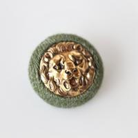 france vintage  緑縁のライオンボタン フランス製