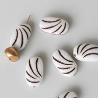 オバール型フラットガラスビーズ17㎜   ミルクホワイト  フランス パーツ