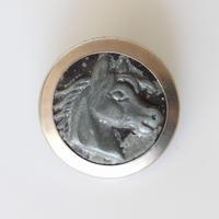 【ハンティングボタン】 馬のメタルボタン 25㎜ フランス