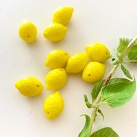 レモン果実のパーツ 1.4㎝  フランスパーツ ガラスパーツ