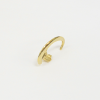 Sharp gold line earring (26mm)