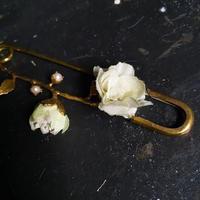 【限定一点】Lilaf お花のショールピン  green