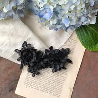黒いお花とレースのクリップ*