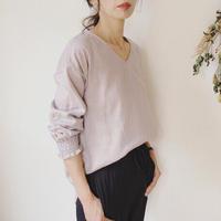 【ダブルガーゼブラウス】Vネック シャーリング袖のシンプルなプルオーバーシャツ くすみカラー あずきミルク
