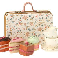Cake set in suitcase ケーキ&テーブルウェアセット/プチフルール