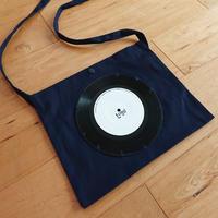 本物のレコードを使ったサコッシュ「bagu」ネイビーxホワイト  BS001-NW