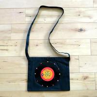 本物のレコードを使ったサコッシュ「bagu」ブラックxレッド SA-103BRD