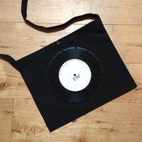 本物のレコードを使ったサコッシュ「bagu」ブラックxホワイト BS001-BW