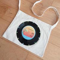 本物のレコードを使ったサコッシュ「bagu」ナチュラルxアイランド