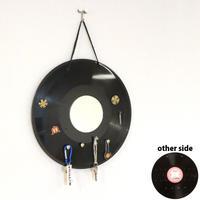 キーフック   本物のレコードで出来た アクセサリーラック   キーホルダー・鍵掛け  ミラー付 アップサイクル KR-004