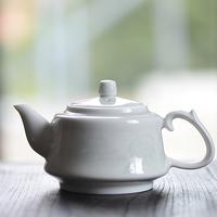 青白磁茶壺 山水 PC026
