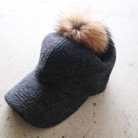 ポンポン付きウール素材CAP