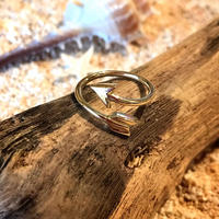 Arrow Ring Gold