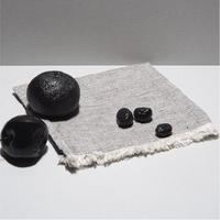 VIENAS DU TRYS  |  Hand Towel