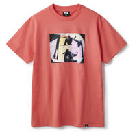 FTC【 エフティーシー】CARROLL BUM OLLIE (Artwork by Leon Washere) TEE  Tシャツ コーラル