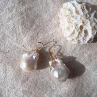 Baroque pearl pierced 2
