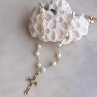 Cross charm pearl necklace