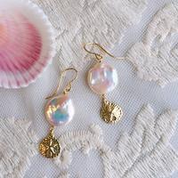Coin pearl pierced