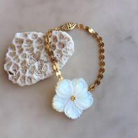 Shell flower bracelet