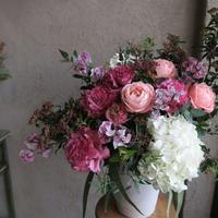 Seasonal arrangement LL /季節のお花のアレンジメント L