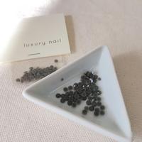 【完売】luxurynail セレクトパーツ /カジュアル カラーストーン【 no.2 /グレー/3mm/50P[AG-2002]  】