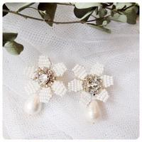 white   beads flower pierce&earring