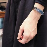 ブレスレット 透明色の影(1.2cm幅)青い紫陽花 x Black レザー