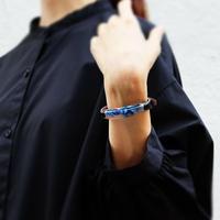 ブレスレット透明色の影(1.2cm幅) 青い紫陽花 x Blackレザー